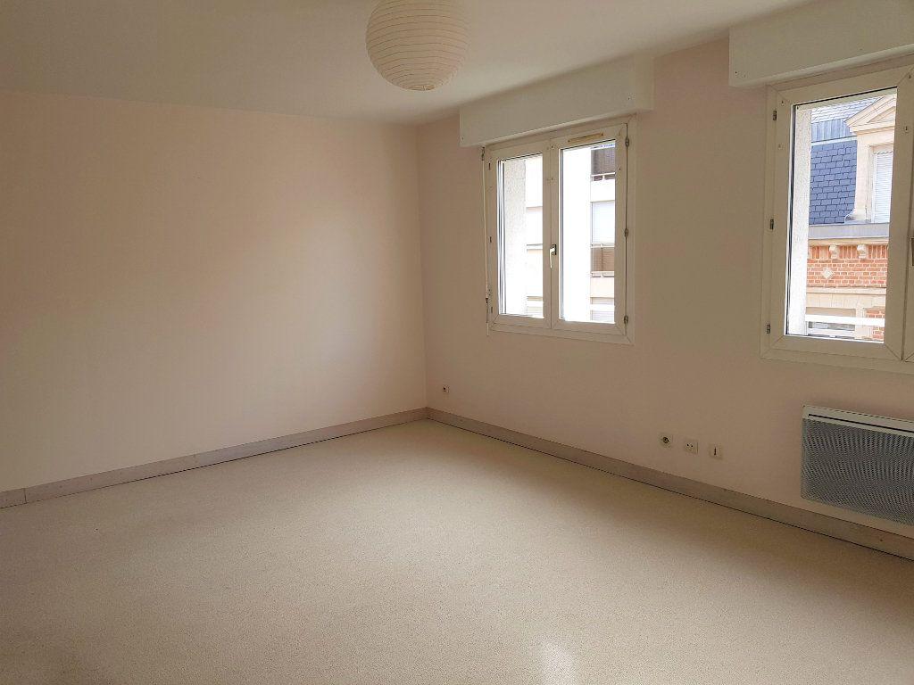 Appartement à louer 3 73m2 à Amiens vignette-2