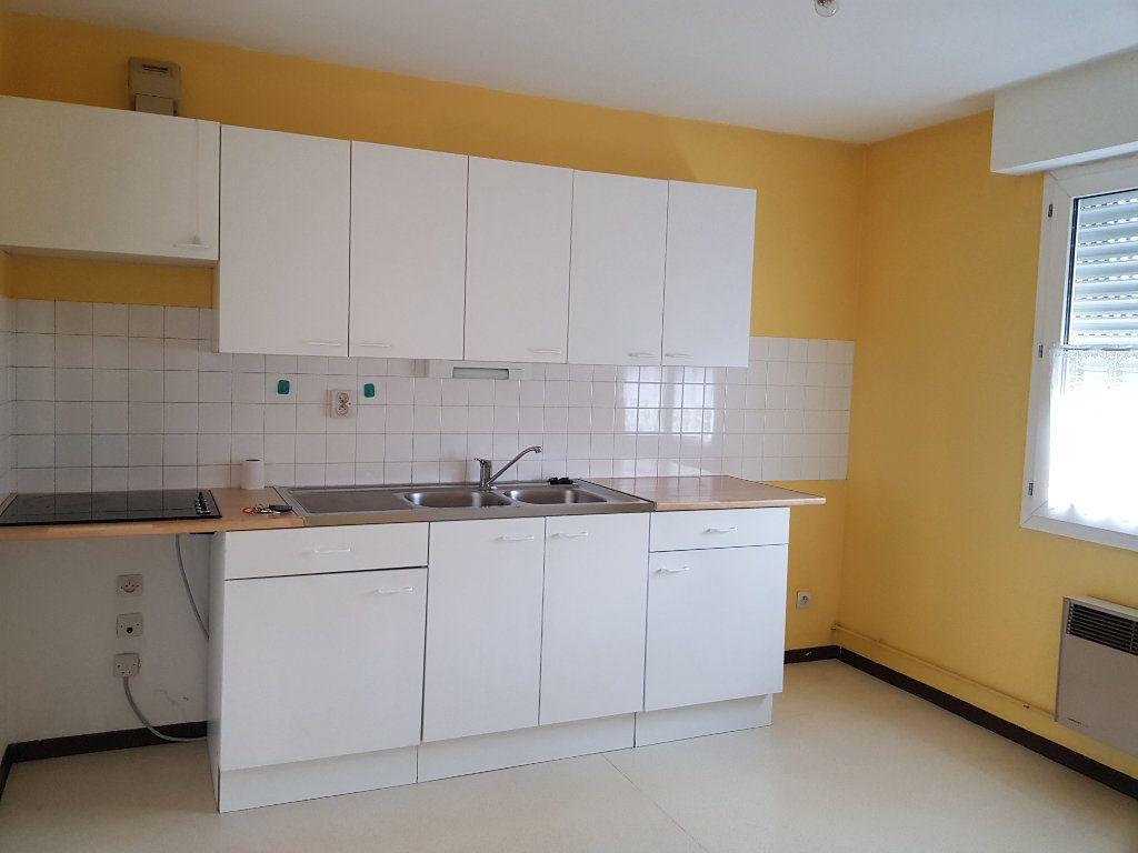 Appartement à louer 3 73m2 à Amiens vignette-3