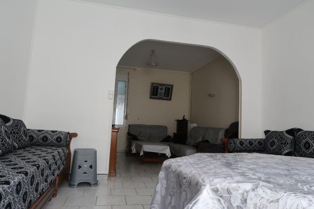 Maison à vendre 8 130m2 à Saint-Quentin vignette-4