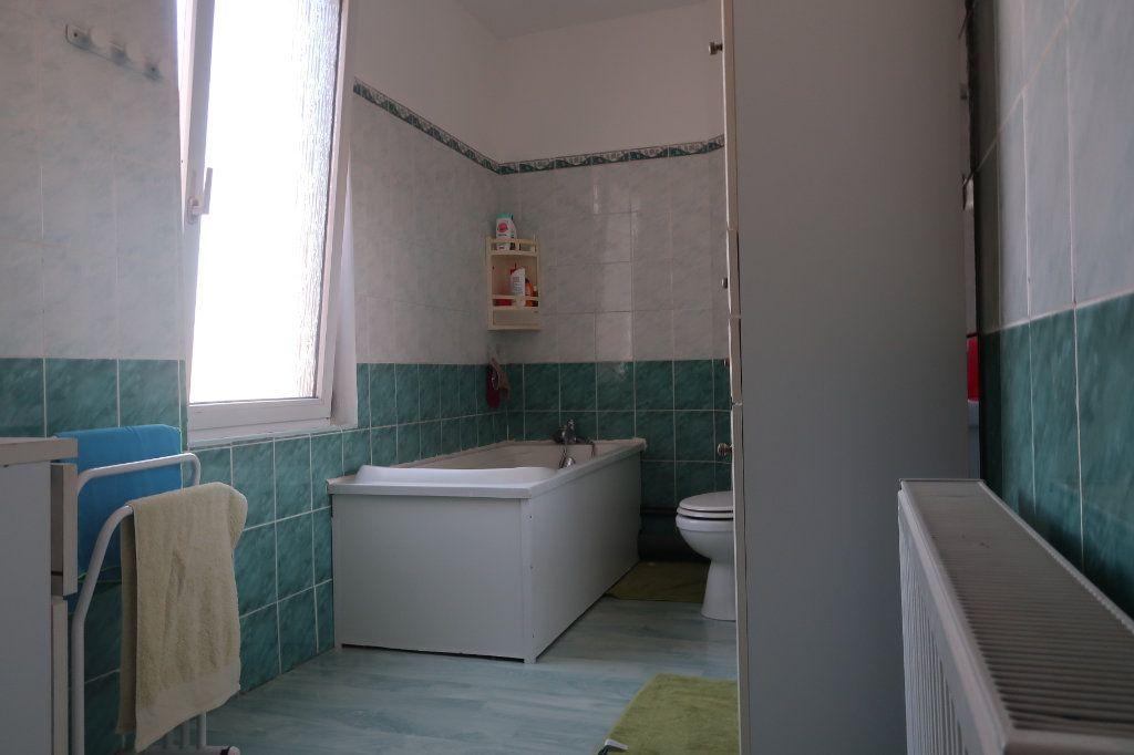 Maison à vendre 8 130m2 à Saint-Quentin vignette-5