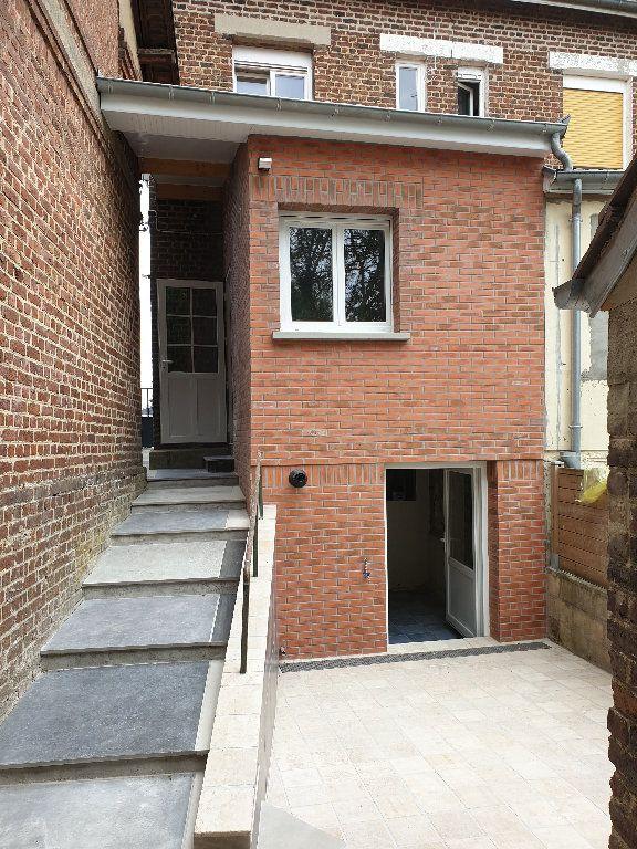 Maison à louer 4 56m2 à Tergnier vignette-4