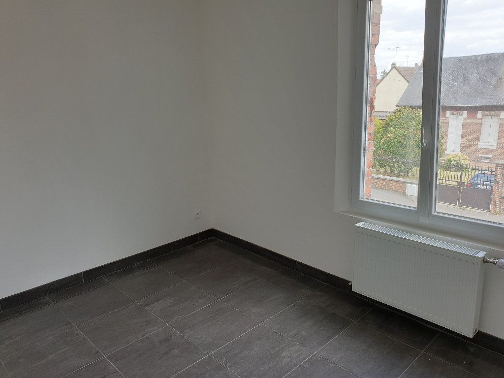 Maison à louer 4 56m2 à Tergnier vignette-5