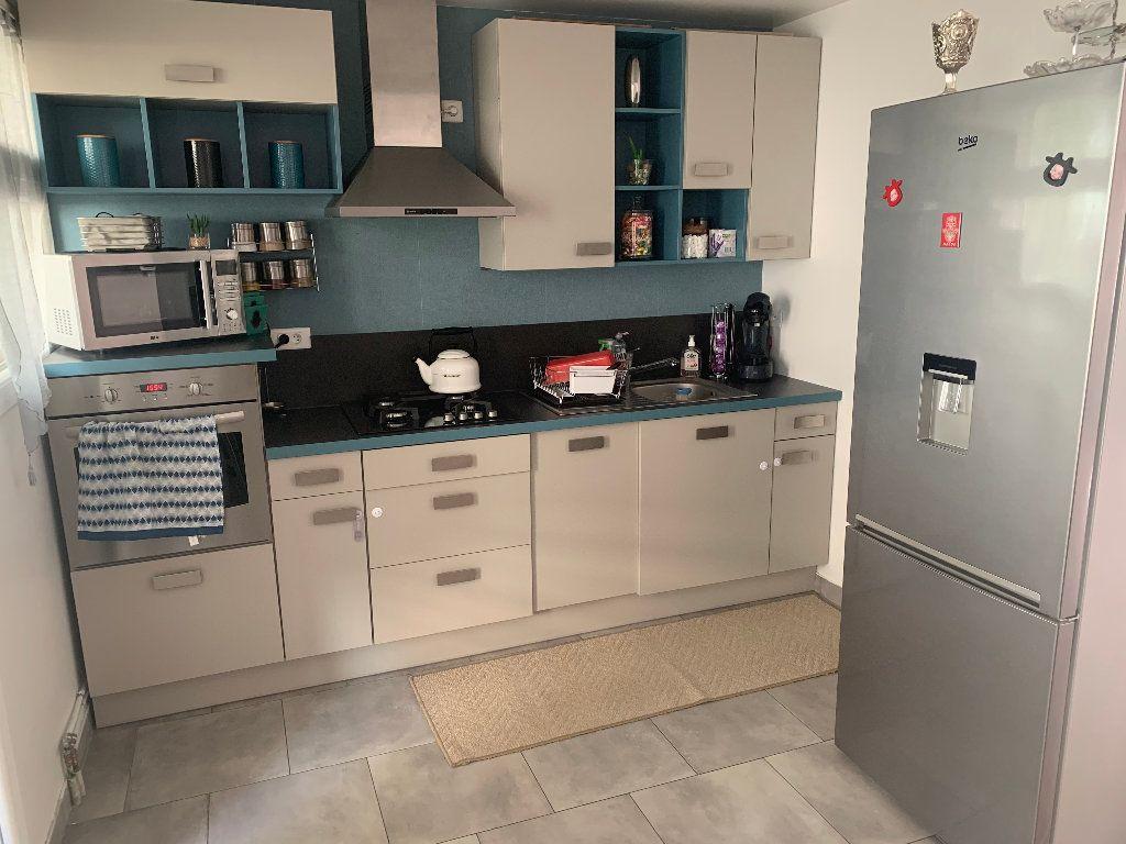Appartement à vendre 4 98m2 à Saint-Quentin vignette-2