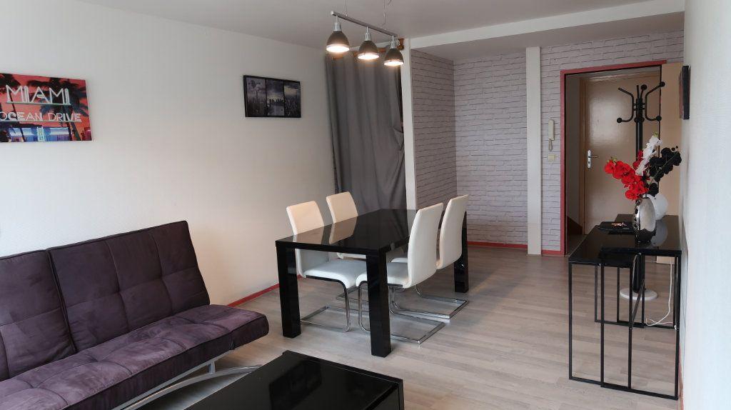 Appartement à louer 2 61.35m2 à Amiens vignette-1
