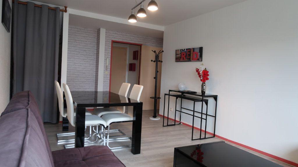 Appartement à louer 2 61.35m2 à Amiens vignette-2