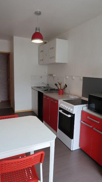 Appartement à louer 2 61.35m2 à Amiens vignette-3