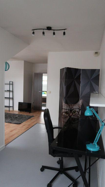 Appartement à louer 2 61.35m2 à Amiens vignette-6