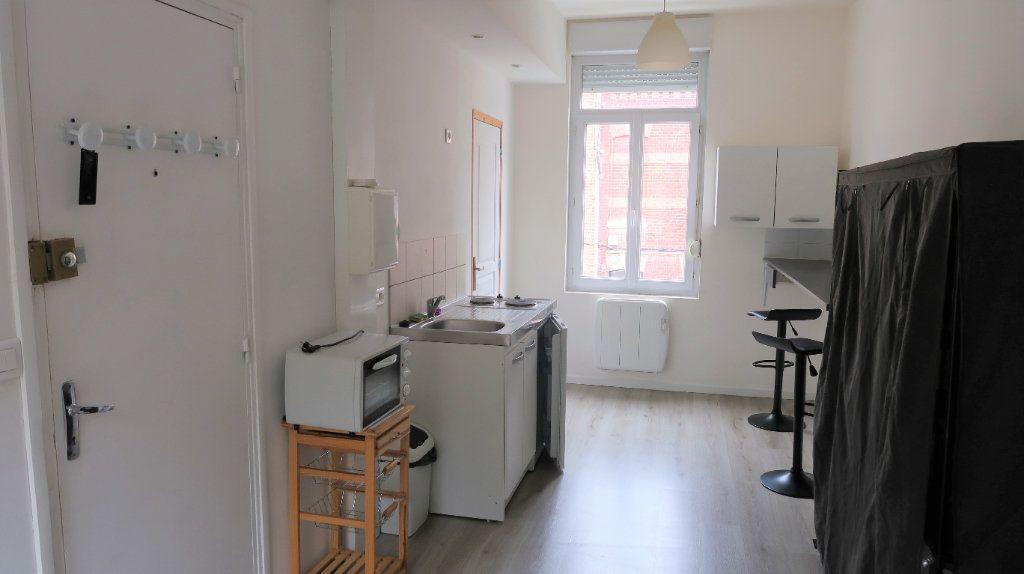 Appartement à louer 1 25m2 à Amiens vignette-1