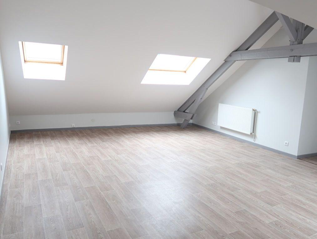 Immeuble à vendre 0 183.9m2 à Saint-Quentin vignette-13