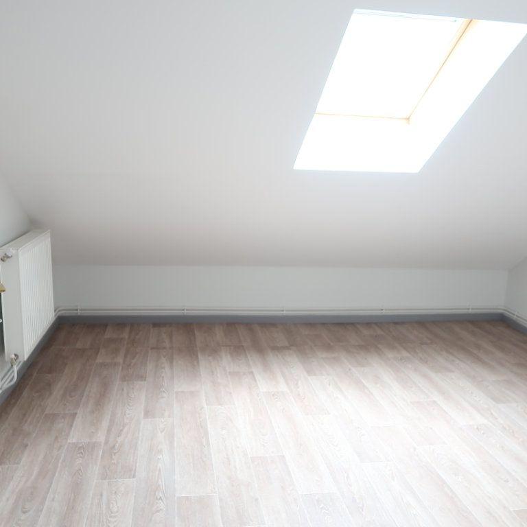 Immeuble à vendre 0 183.9m2 à Saint-Quentin vignette-16