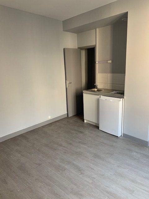 Immeuble à vendre 0 229m2 à Saint-Quentin vignette-7