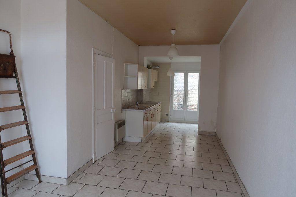 Maison à louer 3 65m2 à Saint-Quentin vignette-1