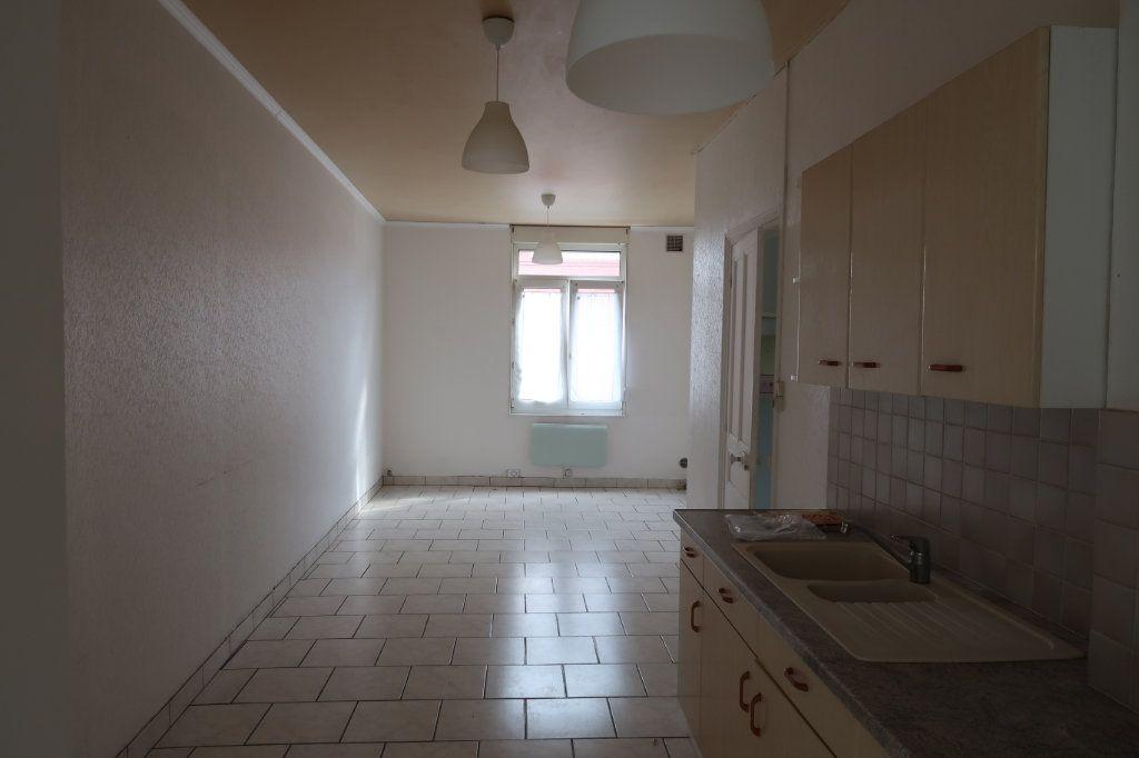 Maison à louer 3 65m2 à Saint-Quentin vignette-2