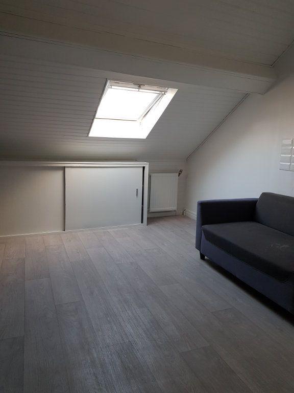 Appartement à louer 1 18m2 à Amiens vignette-1