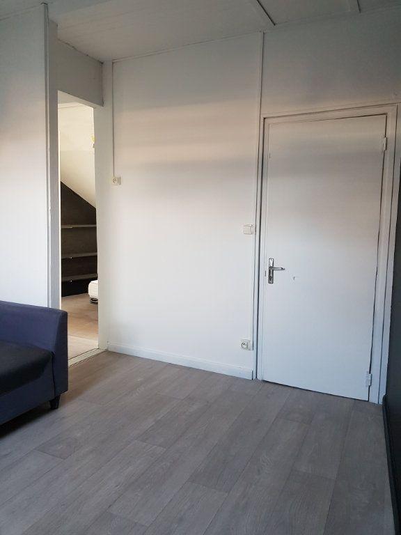 Appartement à louer 1 18m2 à Amiens vignette-4