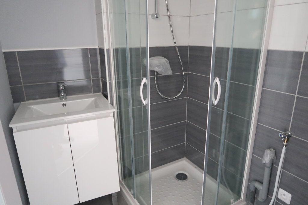 Appartement à louer 1 32m2 à Saint-Quentin vignette-4
