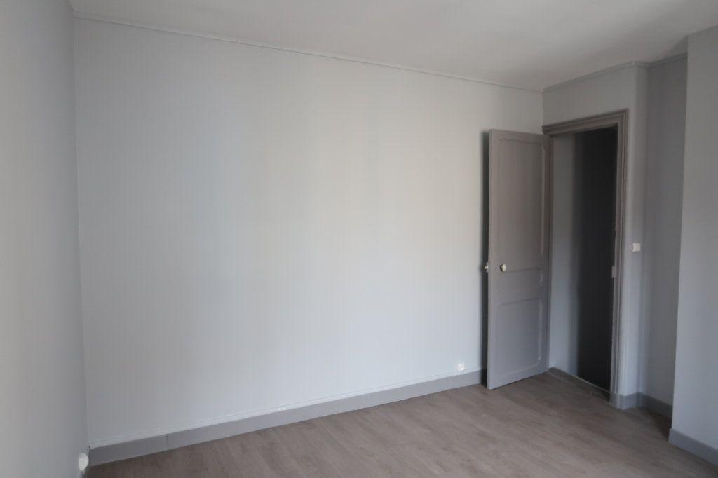 Appartement à louer 1 32m2 à Saint-Quentin vignette-5