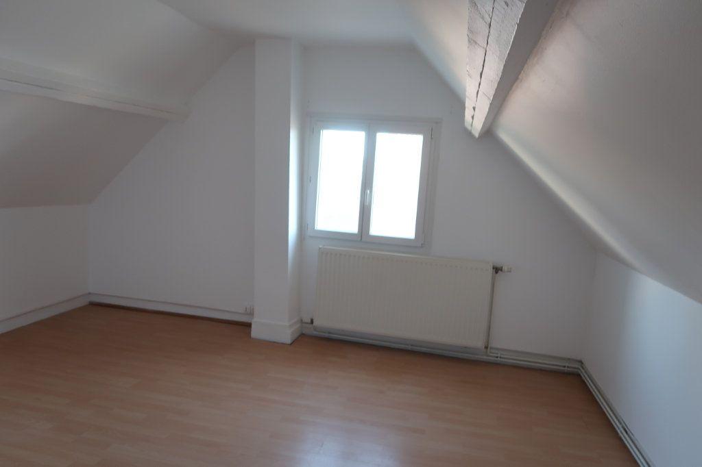 Appartement à louer 3 80m2 à Saint-Quentin vignette-9