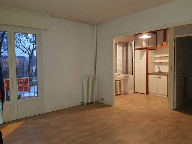 Appartement à louer 1 20m2 à Amiens vignette-3