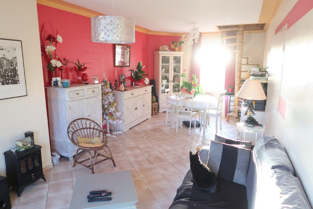 Appartement à vendre 4 78m2 à Saint-Quentin vignette-3