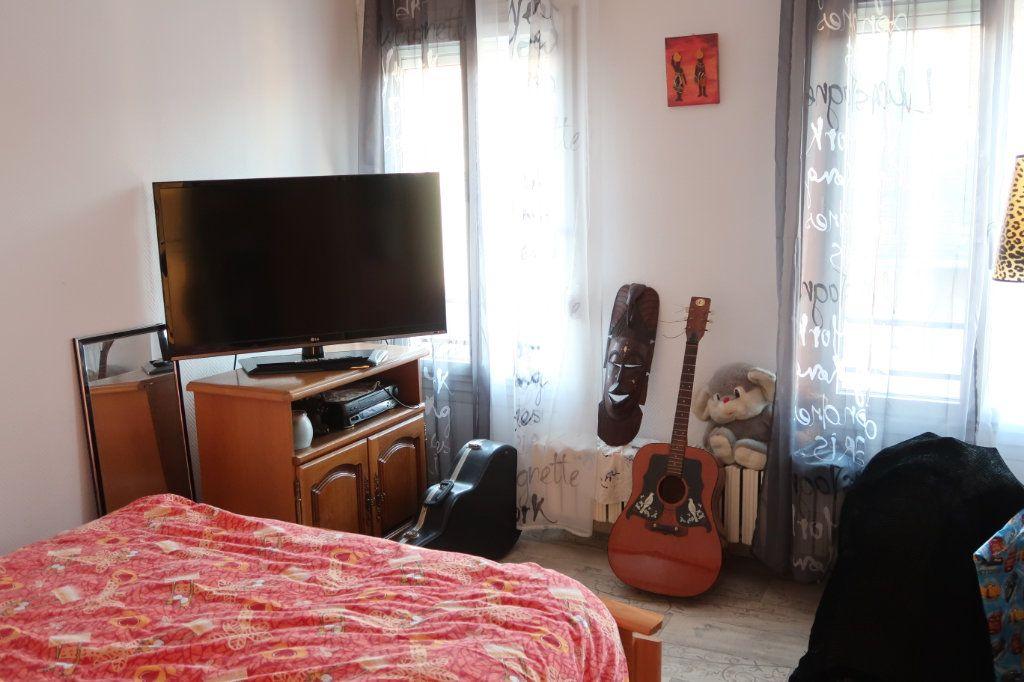 Appartement à vendre 4 78m2 à Saint-Quentin vignette-4