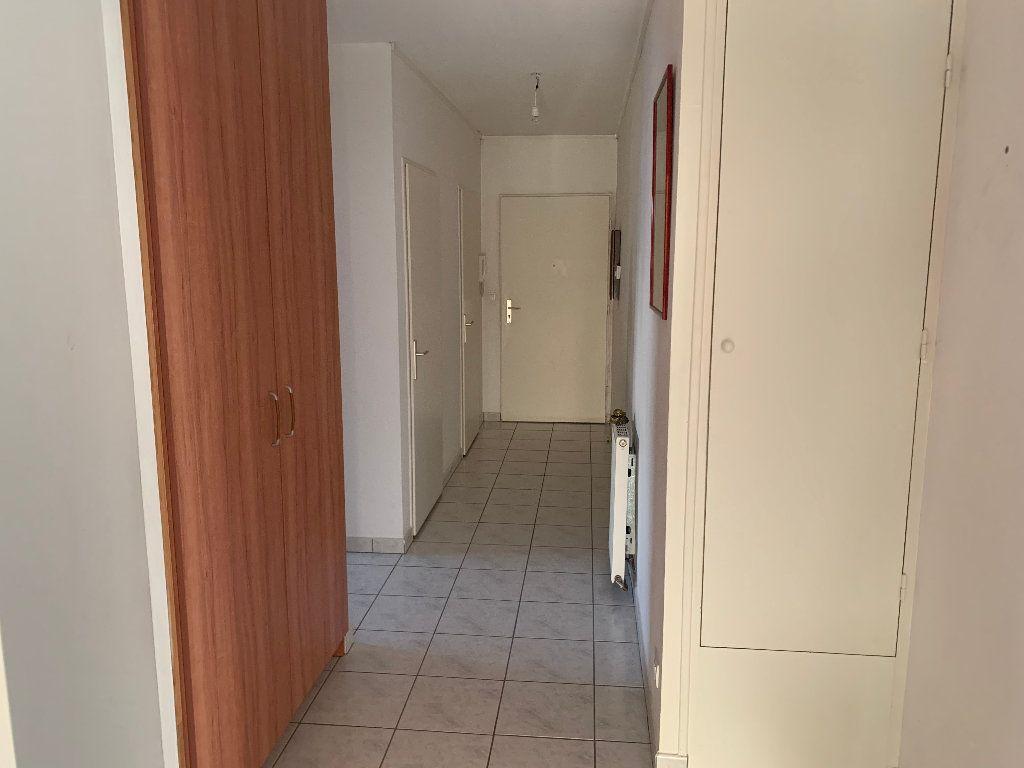 Appartement à vendre 4 82m2 à Saint-Quentin vignette-6