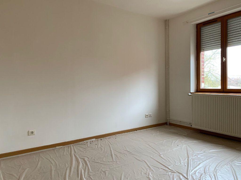 Maison à louer 5 83.72m2 à Tergnier vignette-5