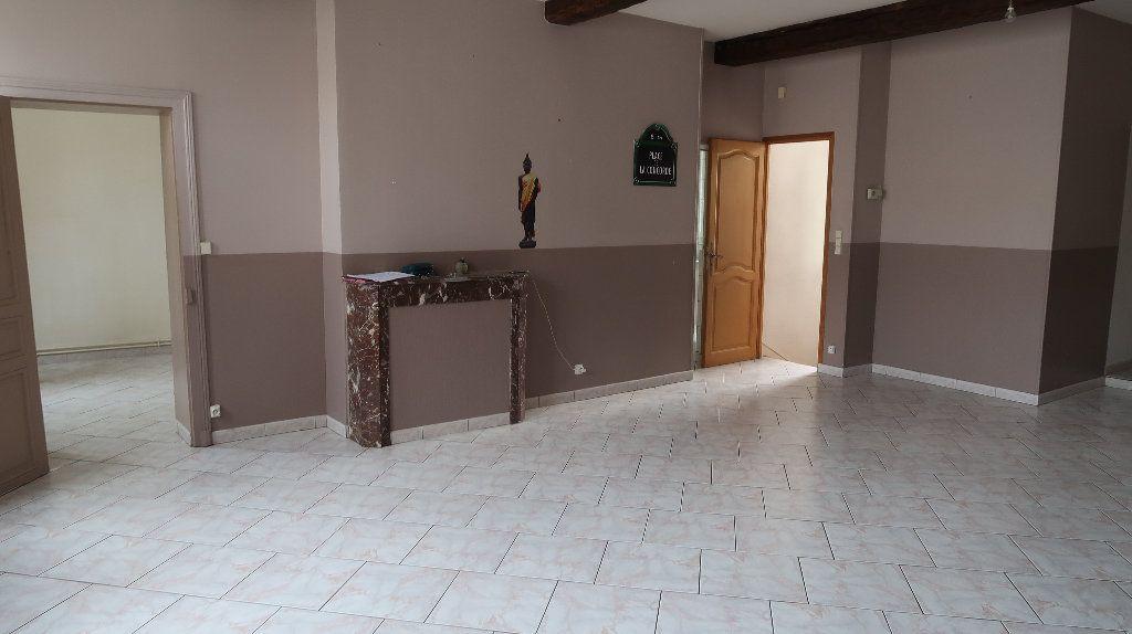 Appartement à louer 5 121.1m2 à La Fère vignette-1