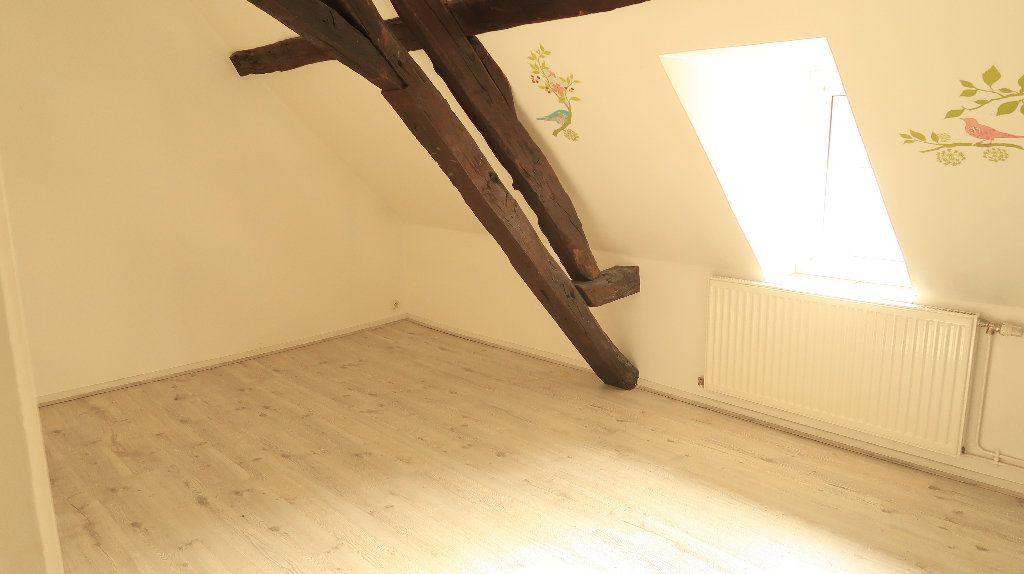 Appartement à louer 5 121.1m2 à La Fère vignette-4