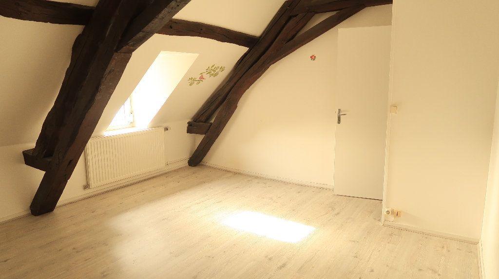 Appartement à louer 5 121.1m2 à La Fère vignette-5