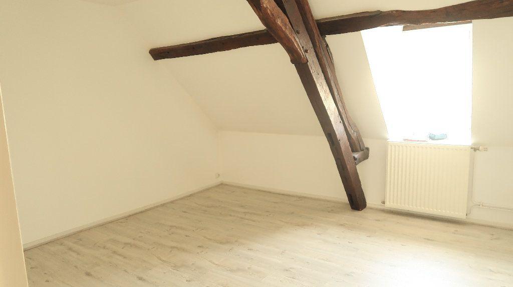 Appartement à louer 5 121.1m2 à La Fère vignette-6