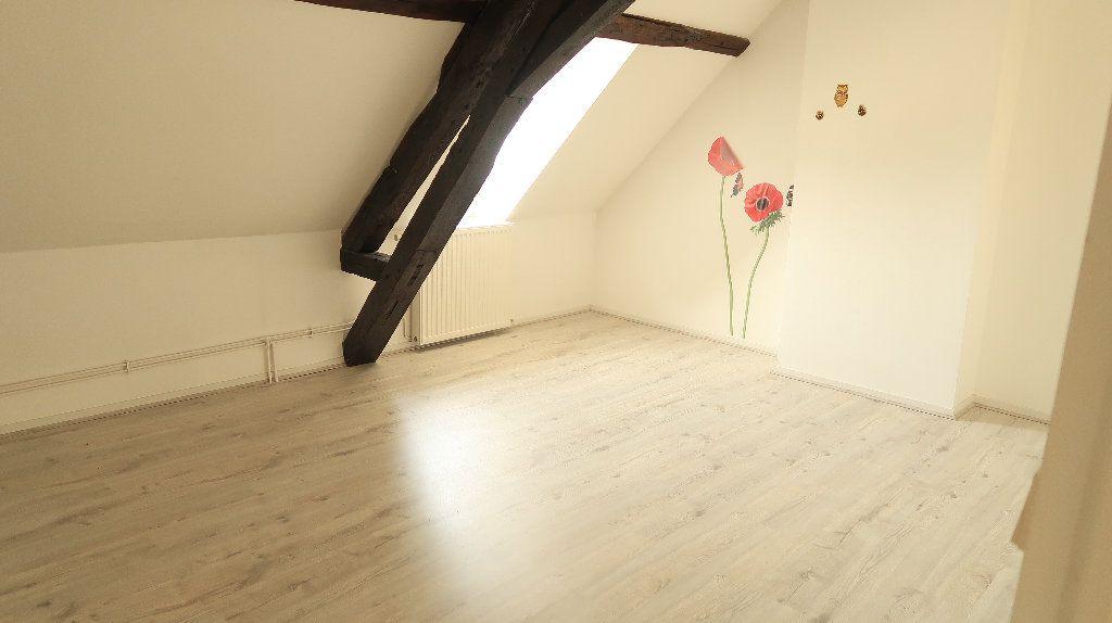 Appartement à louer 5 121.1m2 à La Fère vignette-8