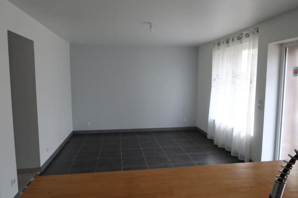 Maison à louer 7 125m2 à Gauchy vignette-3