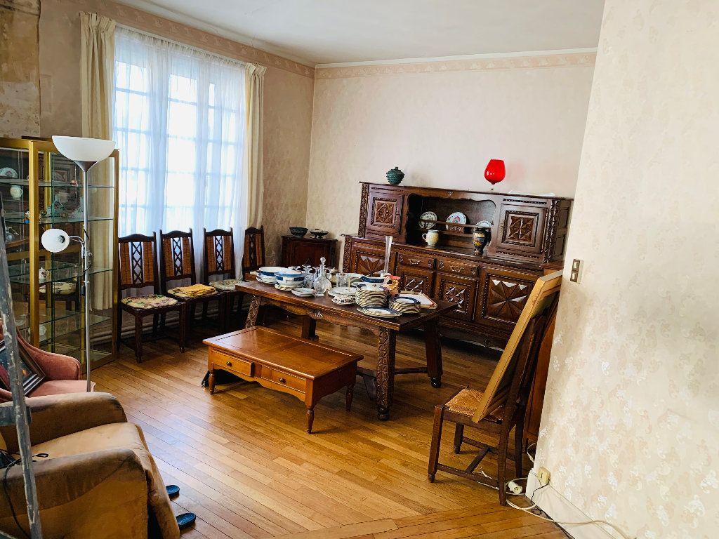 Appartement à vendre 4 126m2 à Saint-Quentin vignette-2