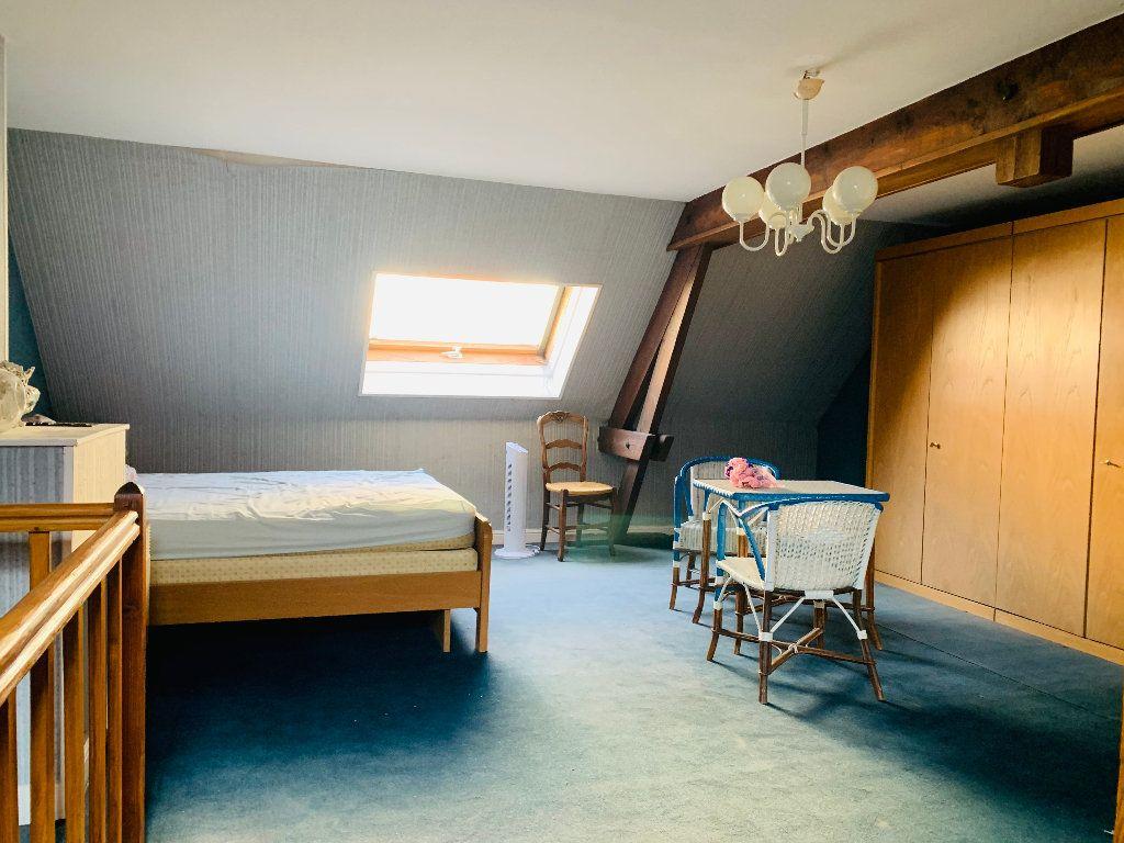 Appartement à vendre 4 126m2 à Saint-Quentin vignette-3
