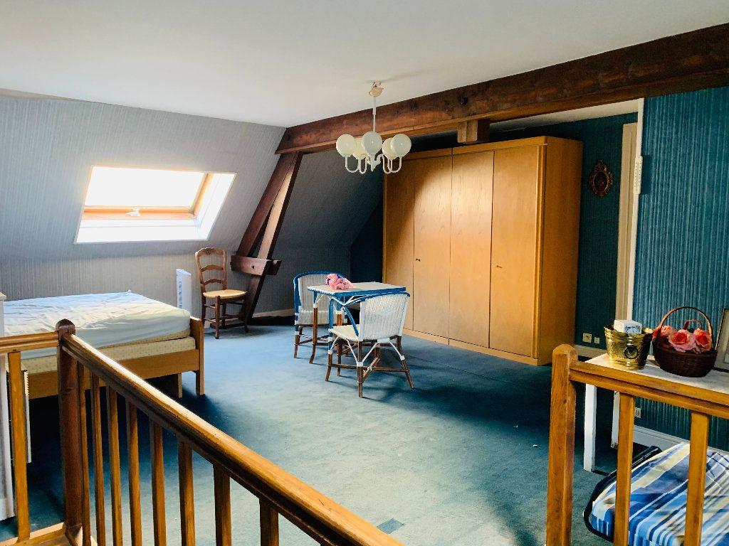 Appartement à vendre 4 126m2 à Saint-Quentin vignette-9