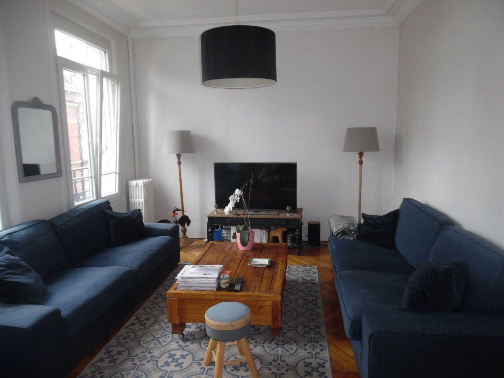 Appartement à vendre 3 73m2 à Saint-Quentin vignette-1
