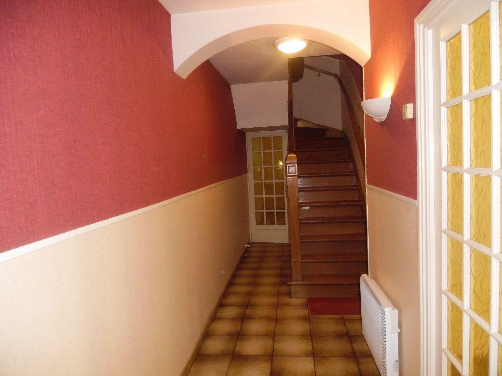 Maison à vendre 5 115m2 à Saint-Quentin vignette-9