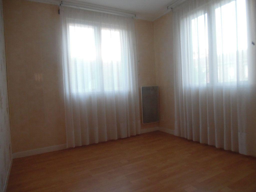 Maison à vendre 5 115m2 à Saint-Quentin vignette-12