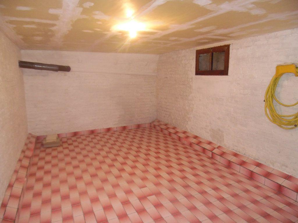 Maison à vendre 5 115m2 à Saint-Quentin vignette-15