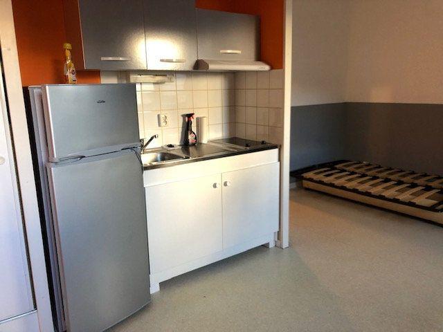 Appartement à louer 1 23.6m2 à Amiens vignette-1