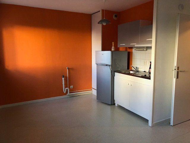 Appartement à louer 1 23.6m2 à Amiens vignette-4
