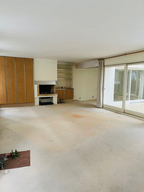 Maison à vendre 7 230m2 à Saint-Quentin vignette-1