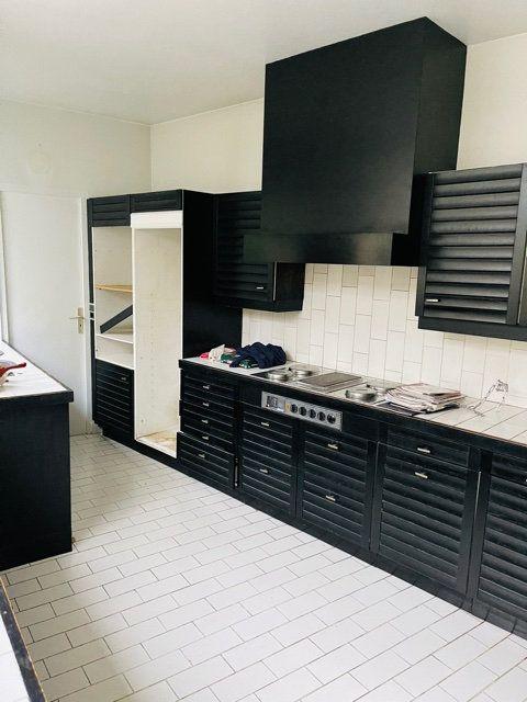 Maison à vendre 7 230m2 à Saint-Quentin vignette-7