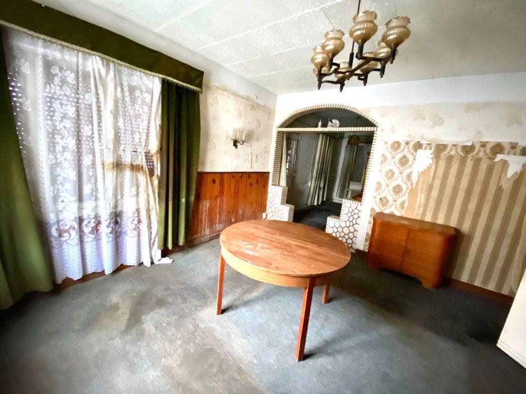 Maison à vendre 7 163.66m2 à Tergnier vignette-5