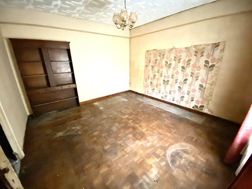 Maison à vendre 7 163.66m2 à Tergnier vignette-6