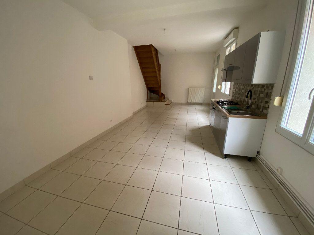 Maison à vendre 3 76.27m2 à La Fère vignette-1