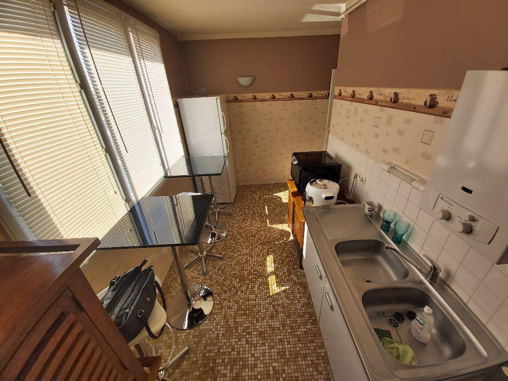 Appartement à vendre 3 68.28m2 à Amiens vignette-1
