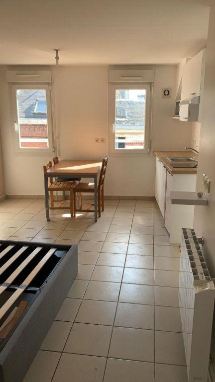 Appartement à louer 1 26m2 à Amiens vignette-1