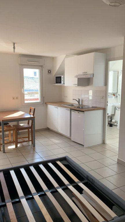 Appartement à louer 1 26m2 à Amiens vignette-2